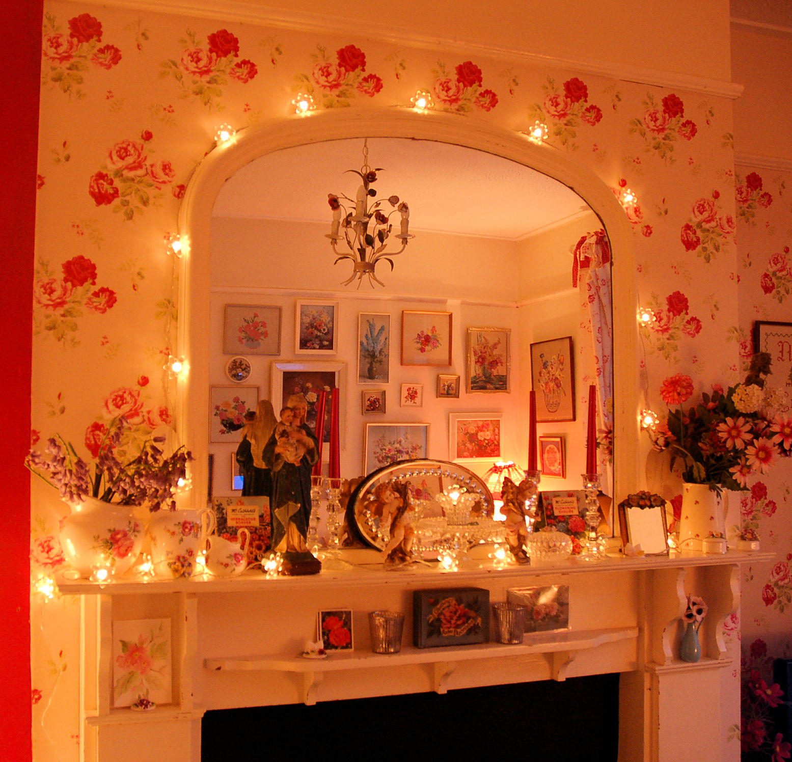 Second difference   I ve put up more fairy lights  this time on our mantel  and mirror  I wanted to show you the inspiration behind my action but I  can t. Posy  Fairy Lights and Firescreens