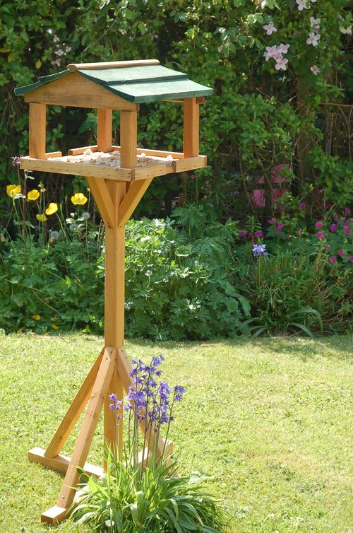 How To Build A Bird Table Out Of Wood